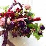 Kaoriさん作品 アンティークな雰囲気のカゴとバラでシックなイメージのパニエ。リボンも素敵です。